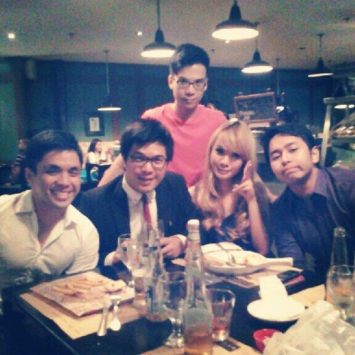 @rgabunada @tgosingtian @calelg @paomagz and Juju (Taken with Instagram at Borough)