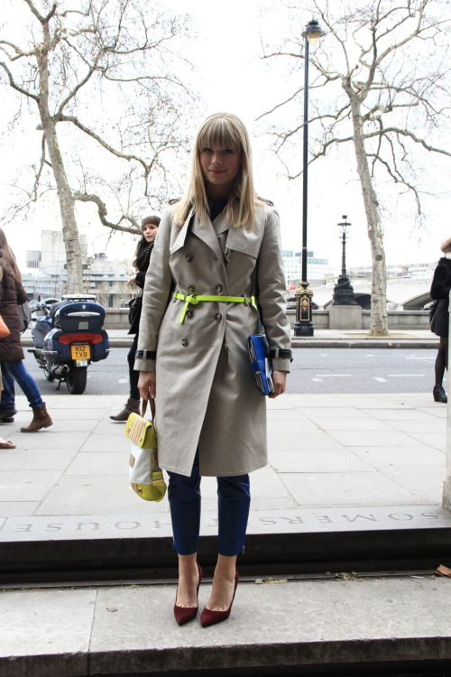 topshop:  Can you beat a trench?  I love the belt with the classic trench coat!