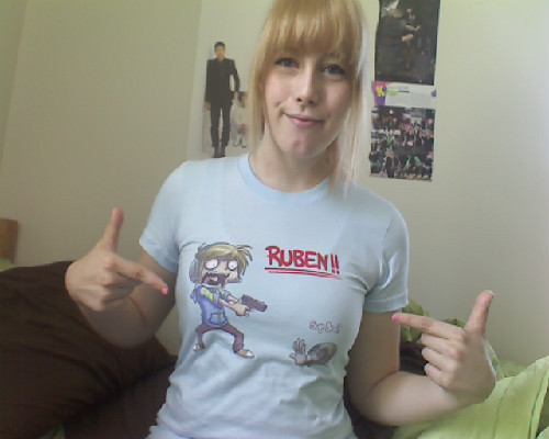 Reppin' my pewdiepie shirt because it's B-4-A-U-S