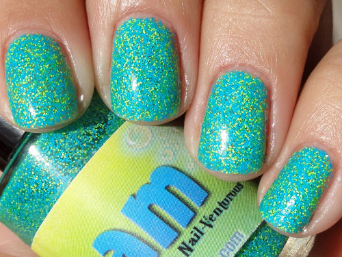 "verybusyandimportant:  apdt:  makeupchronicles:  lacquerisawesome:  Nail-Venturous ""Floam"" — inspired by the squishy foam-like toy of the 90's, this polish is made up of turquoise and chartreuse matte glitter pieces (via Also Known As…: Nail-Venturous Floam)  SO COOL!!!!  WHUT  Femme Flagging with this means you want to snuggle and watch Clarissa.  Double Dare and heavy makeouts please"