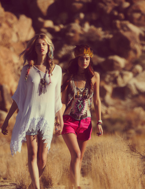 voguelovesme:  Jacquelyn Jablonski, Hailey Clauson & More for Free People's April Lookbook