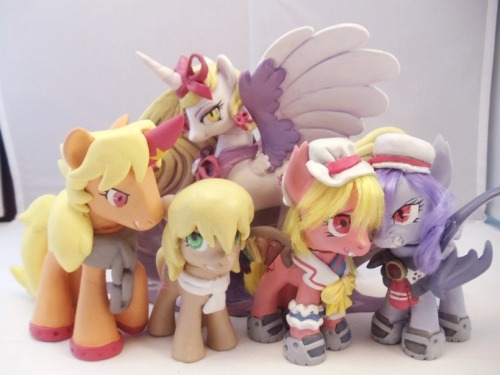 warmare-customs:  ladies and gentlemen, your custom pony class of April 2012.