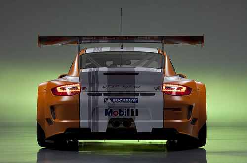suckmybigtoe:  2011 Porsche 911 GT3 R Hybrid (by GermanCarScene)