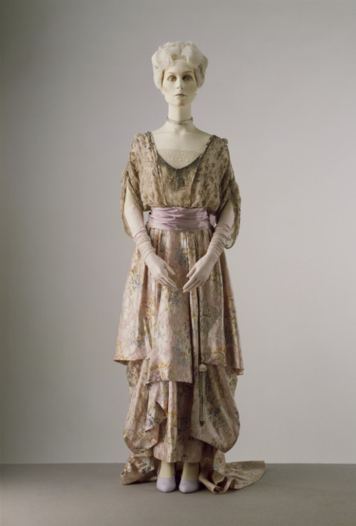 Evening Dress, 1913, The Victoria & Albert Museum