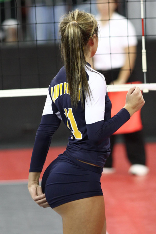 sykick:  Vball player > > >