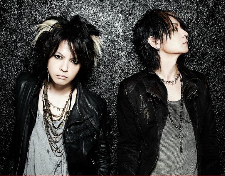 spacetrap:  Rock group VAMPS has recently announced their return with a national wide tour starting June 12th. The tour will go on throughout 10 cities with a total of 49 performances. The group will start their tour on June 12th in Sendai and it will end on October 7th in Namba. The main feature of the tour (via VAMPS announces comeback with a nationwide tour)  stop it