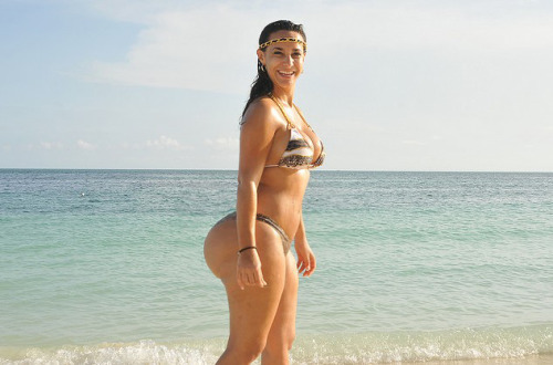 Tammy Torres big booty on the beach