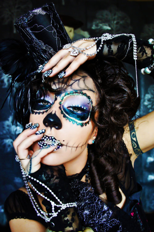 redgal91:  Day of The Dead MUA: Me Hair Stylist:Me Photography: The mumz -Helen JoannidesPhoto Editer: Rachel QuinnHat Design and made by: Me Necklace: Made and designed by: Me Nail design:MeModel:Me