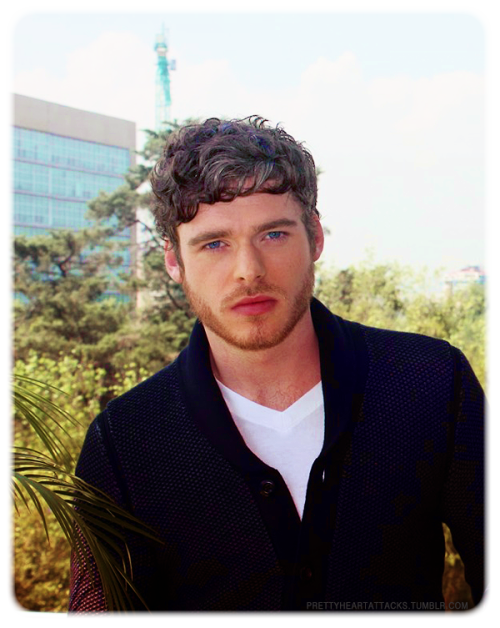 Dear Richard Madden, your face…I can't look at it. Why so beautiful?