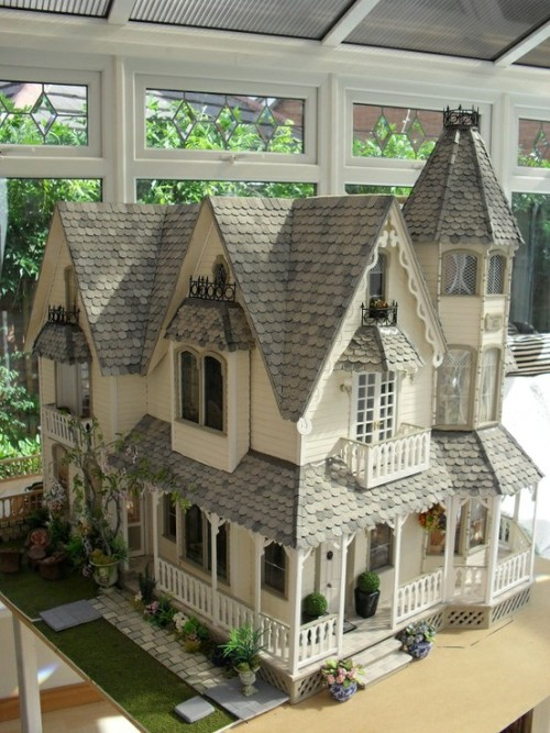 Dollhouse by Jo Medvenics.  This is a wonderful example of what can be achieved with a kit.