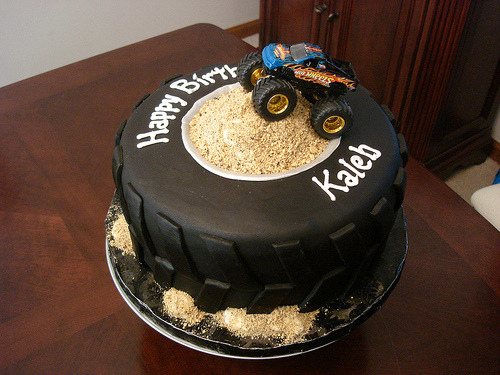 Monster Truck Tire Cake (by murnahan)
