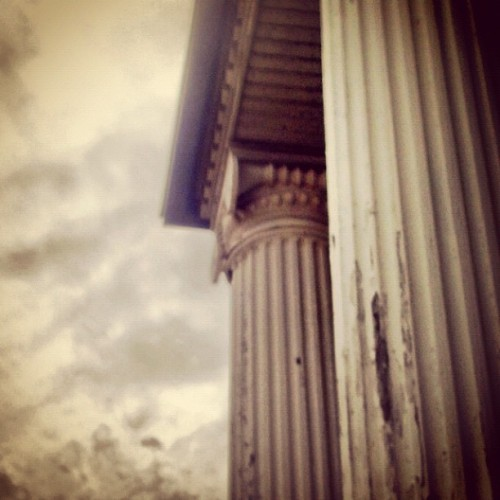 #overcast #architecture #column #pillar #atlanta #traindepot #urbandecay #perspective  (Taken with instagram)