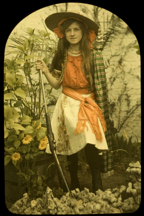 sisterwolf:   Charles Corbet, Girl with gun, c. 1910, autochrome