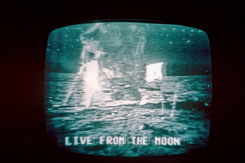 fuckyeahspaceexploration:  That ancient television is broadcasting a live Moon landing.
