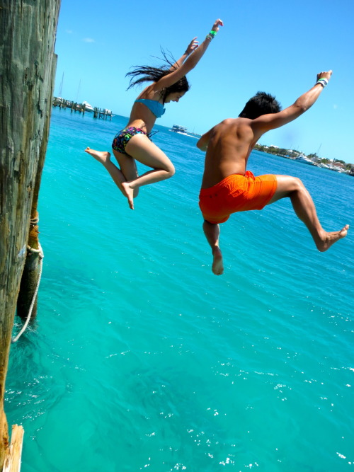 florida-shore:  wavescrashinparadise:  Need more summer on your dash?! Follow Wavescrashinparadise for more summer all the time!!  (via imgTumble)