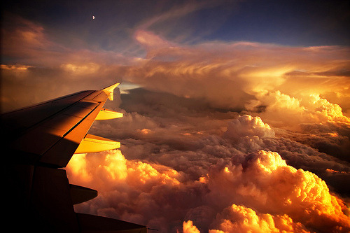 ruineshumaines:  Freedom must be infinite above the clouds (by traumlichtfabrik)