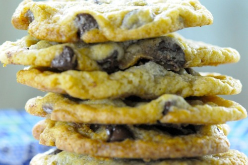 melbournevegan:  Vegan Chocolate Chip Cookies     (click image for recipe)