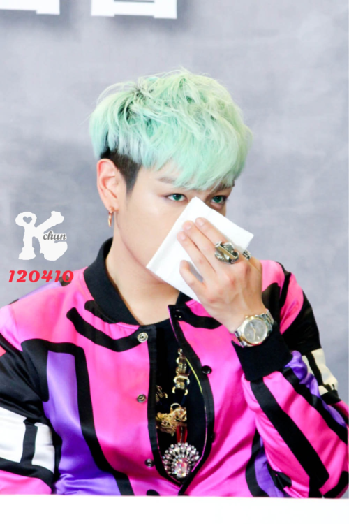top-top:  sheeeepjai:  [Cr to logo owner]  Those eyes!!