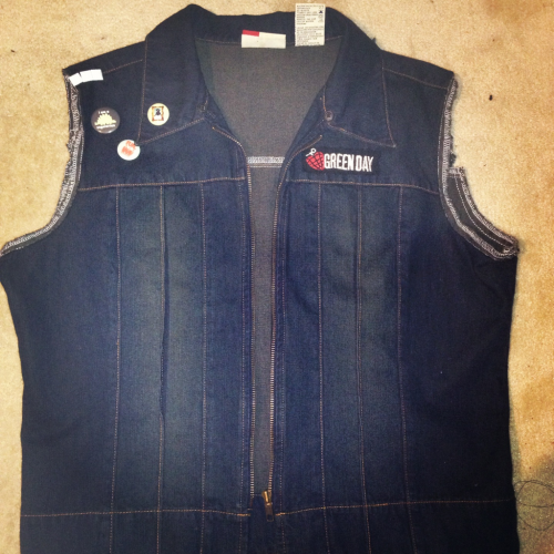 Uh, I FINALLY got a denim vest. None of you know how long I've been scouting for one and I'm not NEAR done crafting it up.