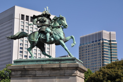 "A statue of Kusunoki Masashige outside the Imperial Palace in Tokyo, Japan. Another angle. With location below VV35° 40' 40.46"" N, 139° 45' 30.49"" E"