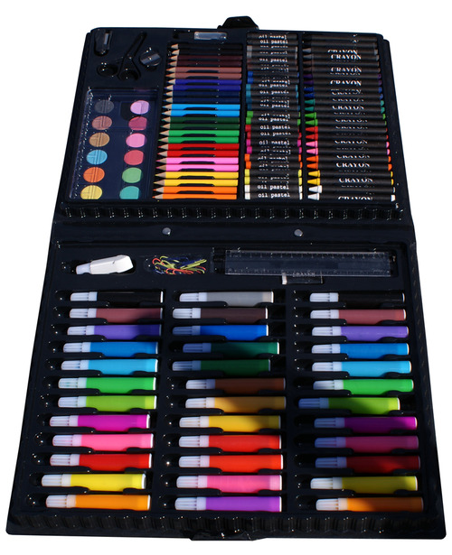 sunshinemakesyouparanoid:  forever90s:  Reblog: if you ever owned one of these!  heck yes there's one in the corner of my room right now  Hell Yeah! Best kit ever!