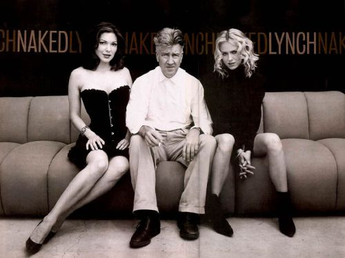 Mulholland Drive - David Lynch, 2001. Best movie/hottest babes of the 2000's.