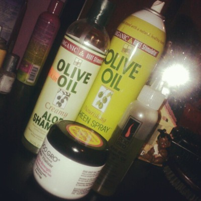- doo gro & olive oil … and my hair be all set :) (Taken with instagram)