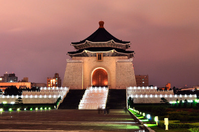 cornersoftheworld:  Chiang Kai Shek Memorial Hall, Taipei (by Andy*Enero)
