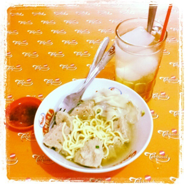 #meatballs #traditional #food #Indonesia #bakso #makan #poris #Malang #kediri #es#jeruk #tehbotol #sosro  (Taken with instagram)