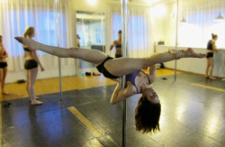 Pole Progress: Jade Split  Ok ok so it's not *quite* a full split but it's getting there. LOTS of stretching to be done and this will be FLAT and I shall then pole for joy!