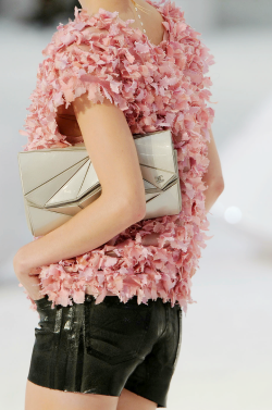 louis-fashion:  fuckyeahfashionjunkie:  Chanel S/S 2012 Details ♥  Like this picture?Click here and follow for more!