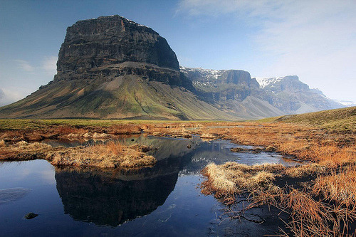 fuckyeaheurope:  Mountain, South-East Iceland (by sophieatkinson)