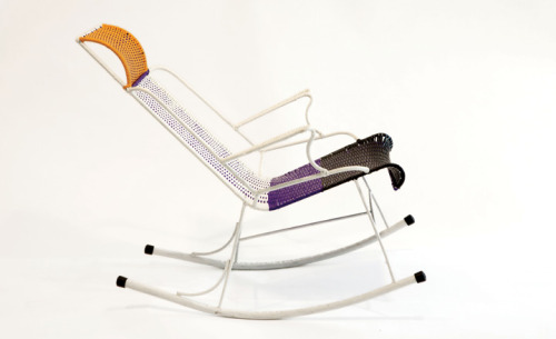 """L'arte de Ritratto"", exhibition of 100 chairs made in Colombia by ex-prisoners. Preview Salone del Mobile 2012 Milan [Via della Spiga, 50]"