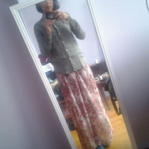 now that the fashion show at nyu is over im happy to have my floral print maxi back! (Taken with Pose)
