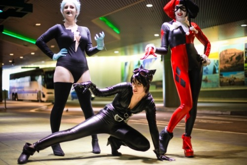 The Gotham City Sirens minus Ivy, plus Livewire. SHUTUPITWORKSOKAY. Brb just sobbing over the beautiful photo's that Lazlo took.  Catwoman // Harley // Livewire