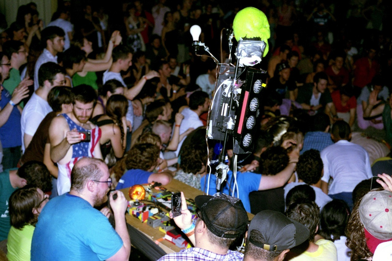adamlempel:  Dan Deacon at Current Gallery. Baltimore 2011. Photo by Adam Lempel
