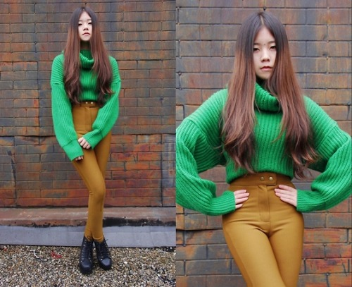 Green sweater (by Chantal Li)