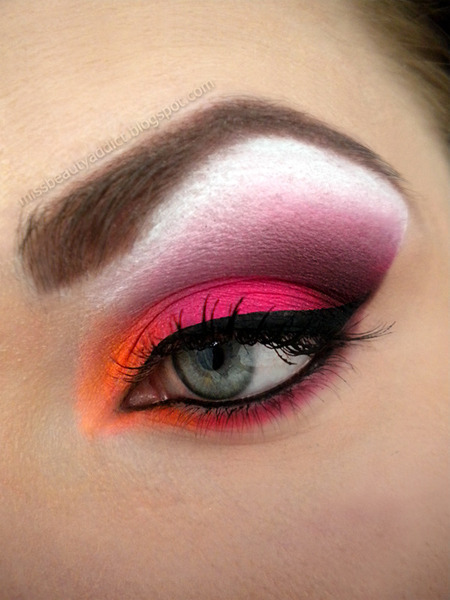 beautyandeloquence:  beautylish:  We love the colors in this vibrant sunset eye look by Beautylish Beauty Tereska H.!   omg the colors. so beautiful, so vibrant. I must try this soon.