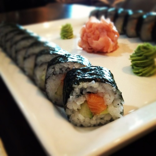 hannele:  sushi, njom <3