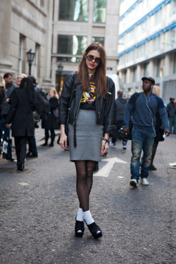 chubby-cupcake:  calivintage:  street style by THE LOCALS.  I WANT THIS EVERYTHING, THANKS.