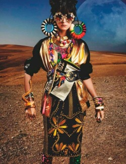 High Plains Drifter - Carmen Kass by Mario Testino - Vogue UK - May 2012