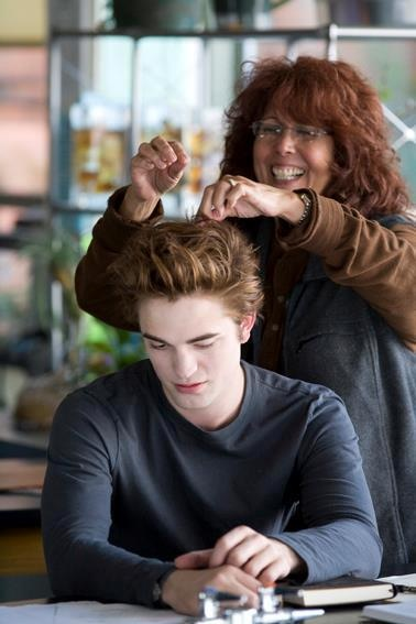 That's how I would look if I was doing robs hair. *dies*