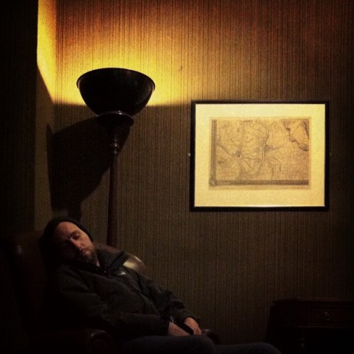 @dragonsben having a sneaky little #sleep at #hamptoncourtpalace next to a #lamp that he loves…. x #shadows #light  (Taken with instagram)