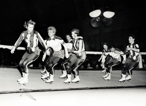 Chicago Roller Derby girls c. 1952