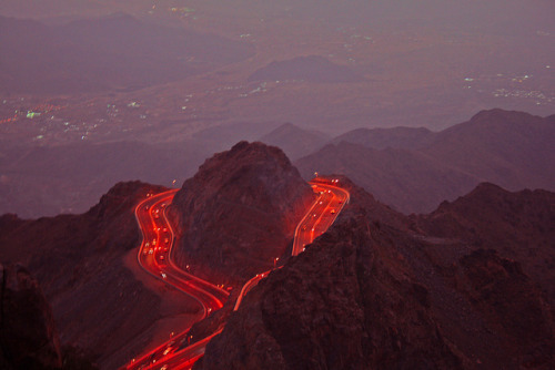 ailia:  Mountain Road by ŠãÙÐ ™ on Flickr.
