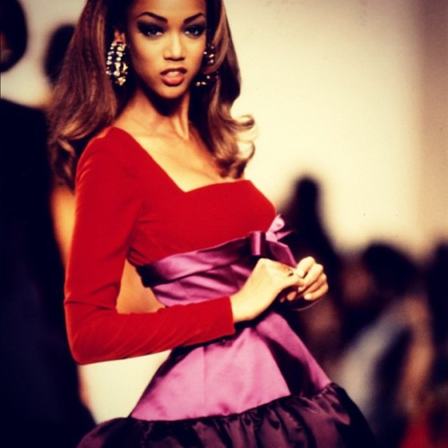 oscarprgirl:  from oscar's fall 1991 collection, shown in paris. (Taken with instagram)