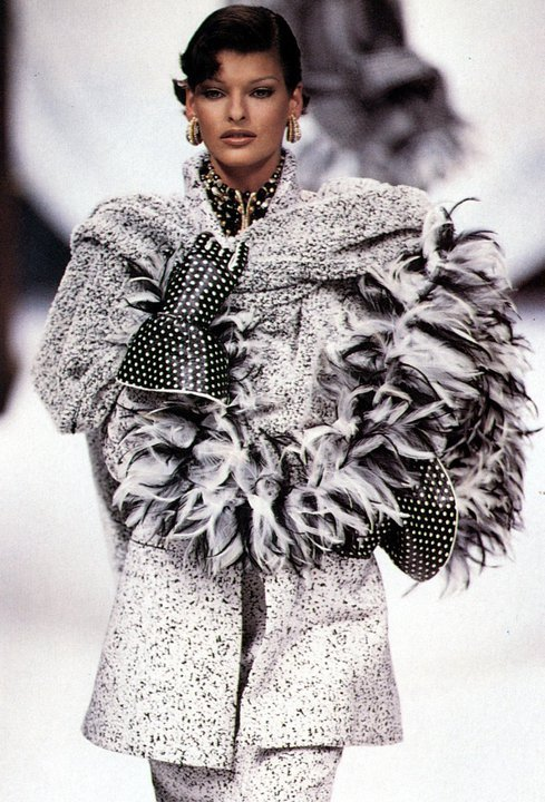 supermodelshrine:  Linda for Christian Dior, f/w 1992/93