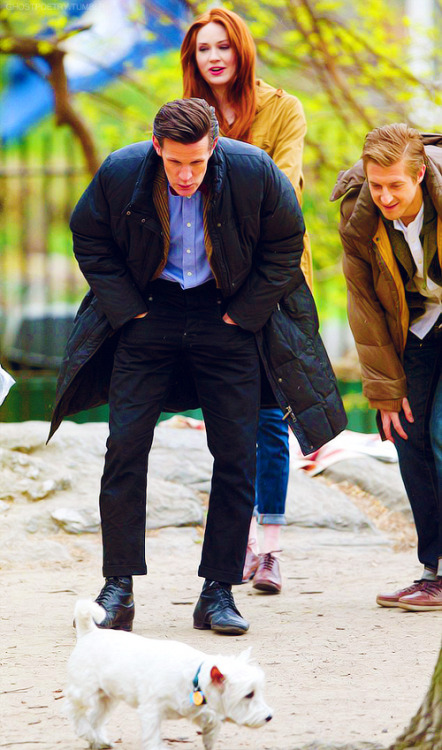 Lucky dog. Matt, Karen and Arthur on set in Central Park, New York City. April 11, 2012 Click here for more of the Doctor Who Series 7 shoot in New York City