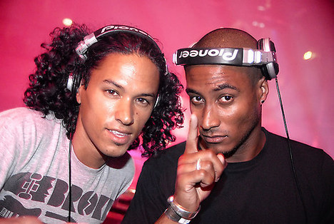 Sunnery James & Ryan Marciano - Live at Ultra 2012 This live set is Ray Hudson announcing magisterial type explosive. Saw this set live with @benkrugs & @GSchulman1 in the Bao Dome at Ultra, pure anthems with heavy bass. Plus these two have the most fun spinning together out of anyone I saw at the 3 day World's Fair at Bayfront Park. 61 minutes of Dutch bass, enjoy!