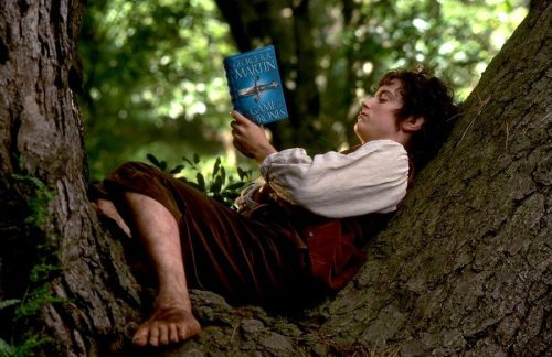 awesomepeoplereading:  Elijah Wood reads, and engages in flagrant franchise insubordination. quantumblog:  This is awesome. It is known.
